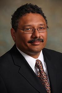 Dr. Luis Núñez